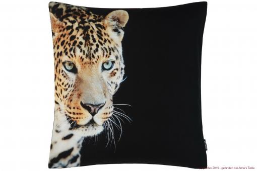 Aramis, digital print, leopard close-up, structured cotton, cushion cover, amber