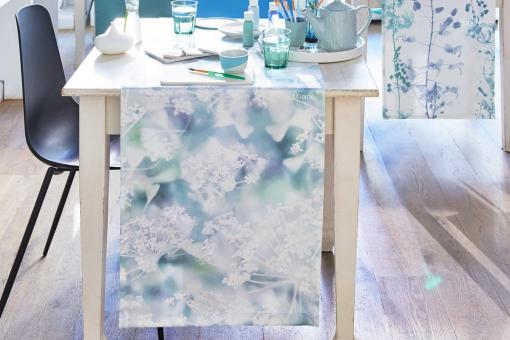 Milaine, all-over print, yarrow in soft colours, cotton sateen, table runner, table cloth, blue/ciel