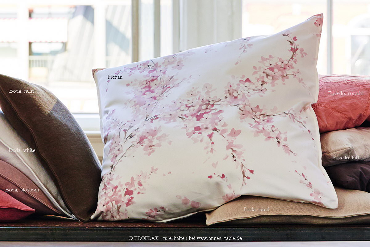 annes table floran print with delicate flowers and branches satin cushion cover blossom. Black Bedroom Furniture Sets. Home Design Ideas
