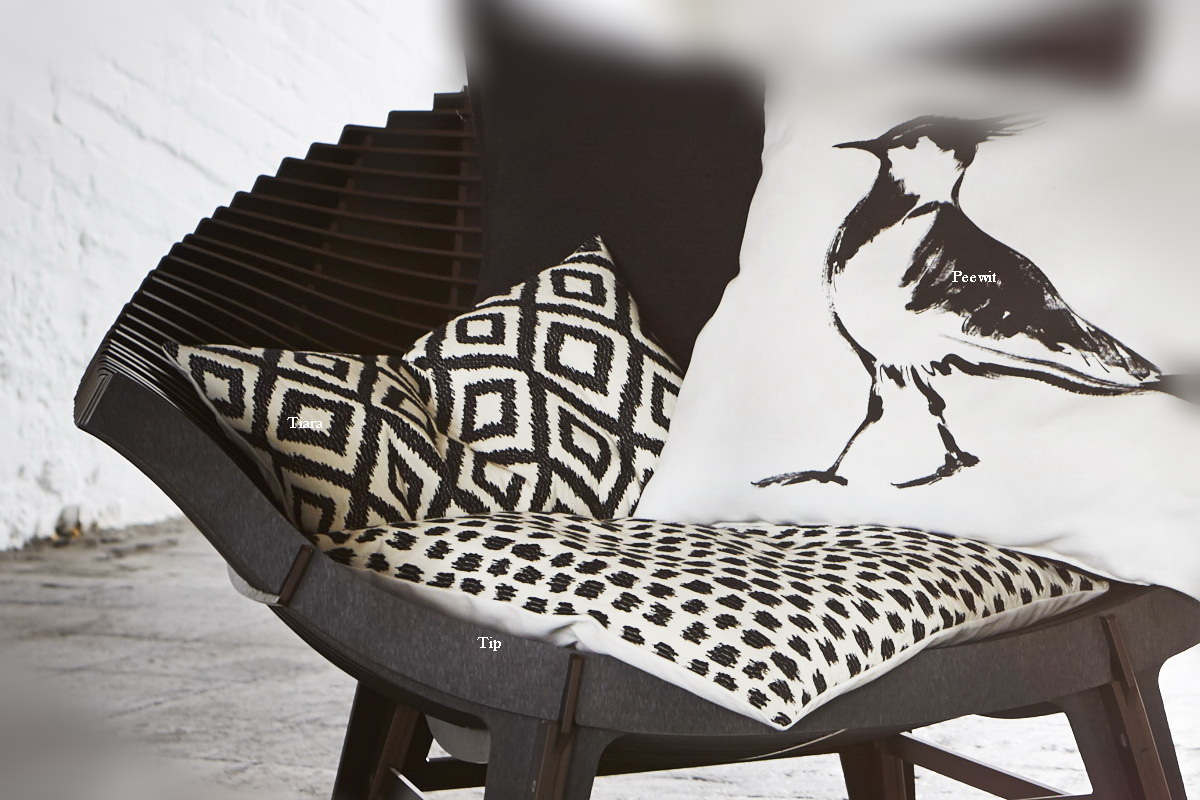 annes table tip jacquard with strokes cushion cover. Black Bedroom Furniture Sets. Home Design Ideas