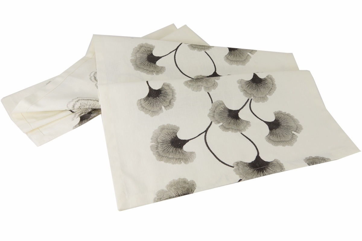 Annes Table Ginkgo Noble Embroidery With Ginkgo Leaves